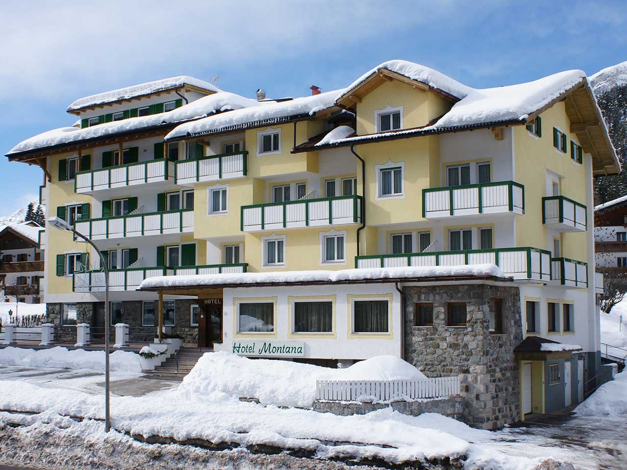 Foto Hotel Montana (Pozza di Fassa)